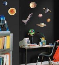 kosmiczne naklejki na ścianie